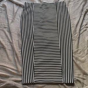 Striped Black/ White Stretch Pencil-Skirt